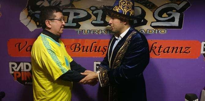 AKFT( Fransa Kazak Türk Derneği)nden  Metin Yavuz'a anlamlı ödül.