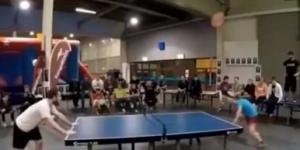 Kafayla masa tenisi