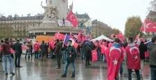 Paris'te 20 kasım 2016 saat 14'te,  Akıl tutulması mitingi gerçekleştirildi.